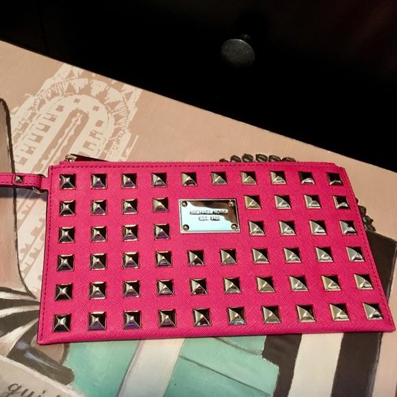 075a1376c8d6 Michael Kors Studded Clutch in Hot Pink! M 5a454fd02ae12f766c0dd4c7